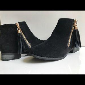 Gold Zipper Black Boots